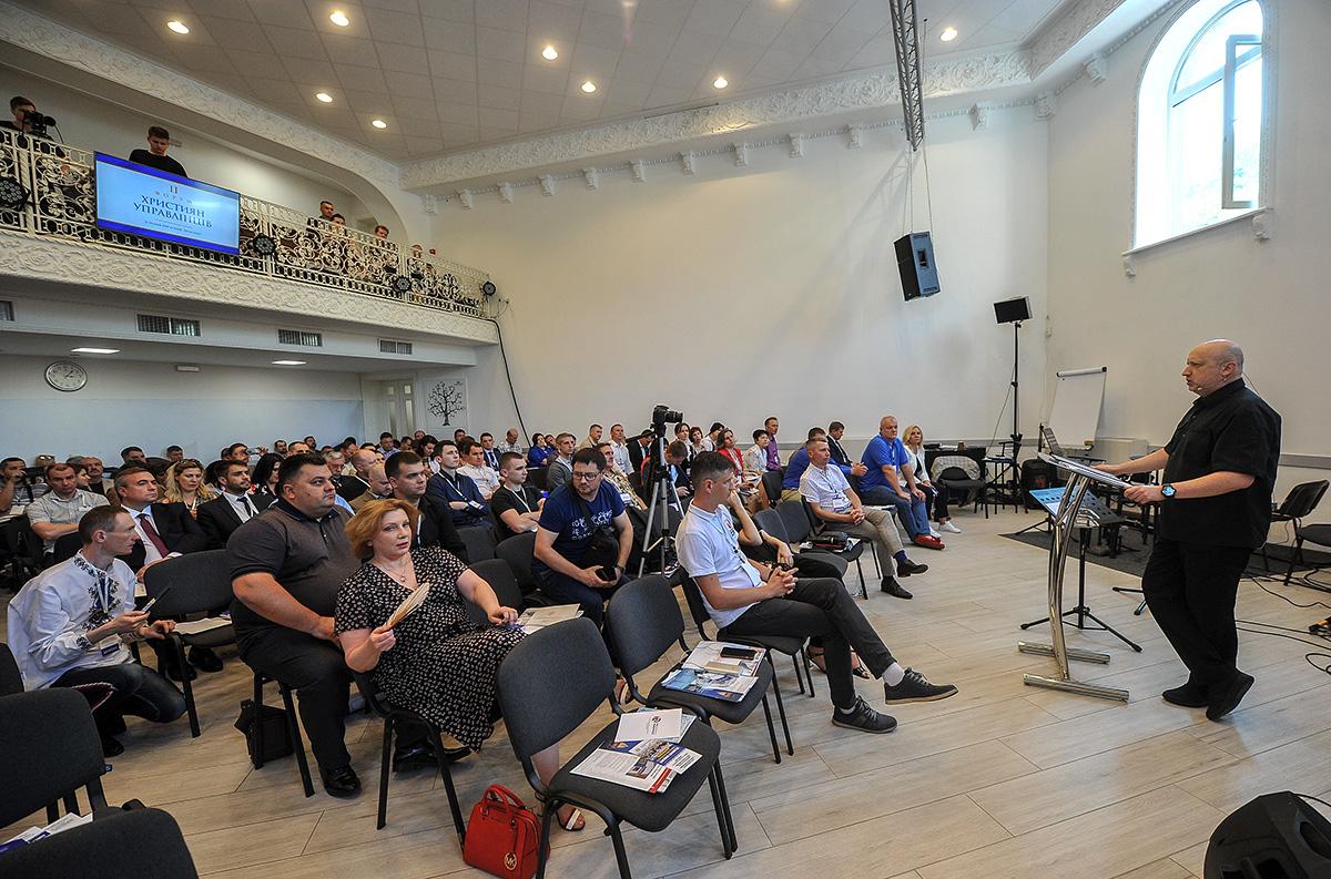 Олександр Турчинов: Важливо, щоб у політику йшли молоді чесні люди з чіткими моральними принципами