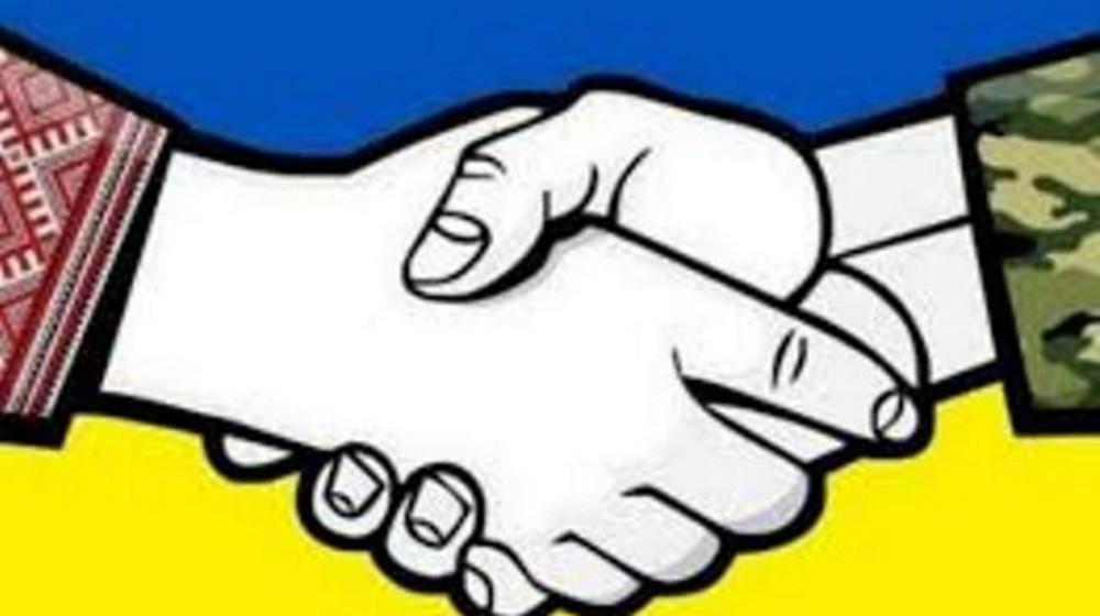 Олександр Турчинов - волонтерам: У найнебезпечніші часи ви разом з військовими врятували Україну