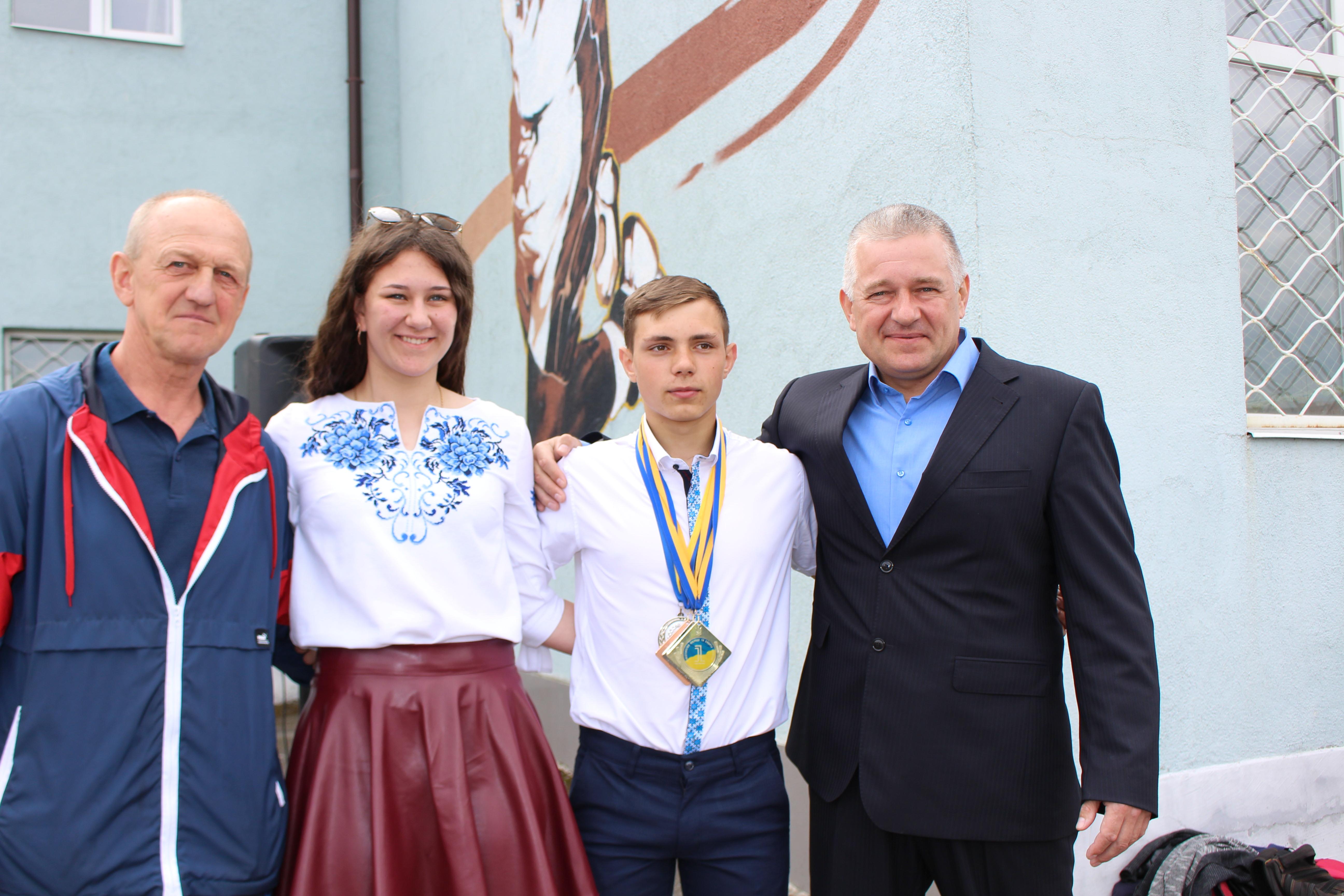 Костянтин Матейченко привітав та нагородив переможців спартакіади в Лимані (фото)