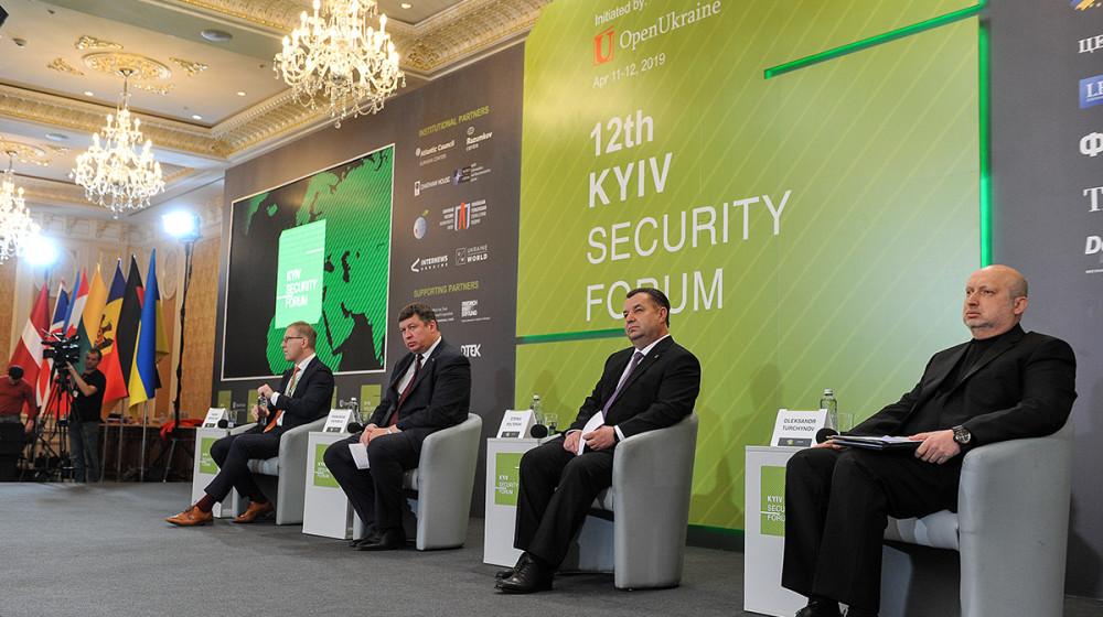 Олександр Турчинов: Сильна українська армія - найважливіший фактор захисту безпеки всього Європейського континенту