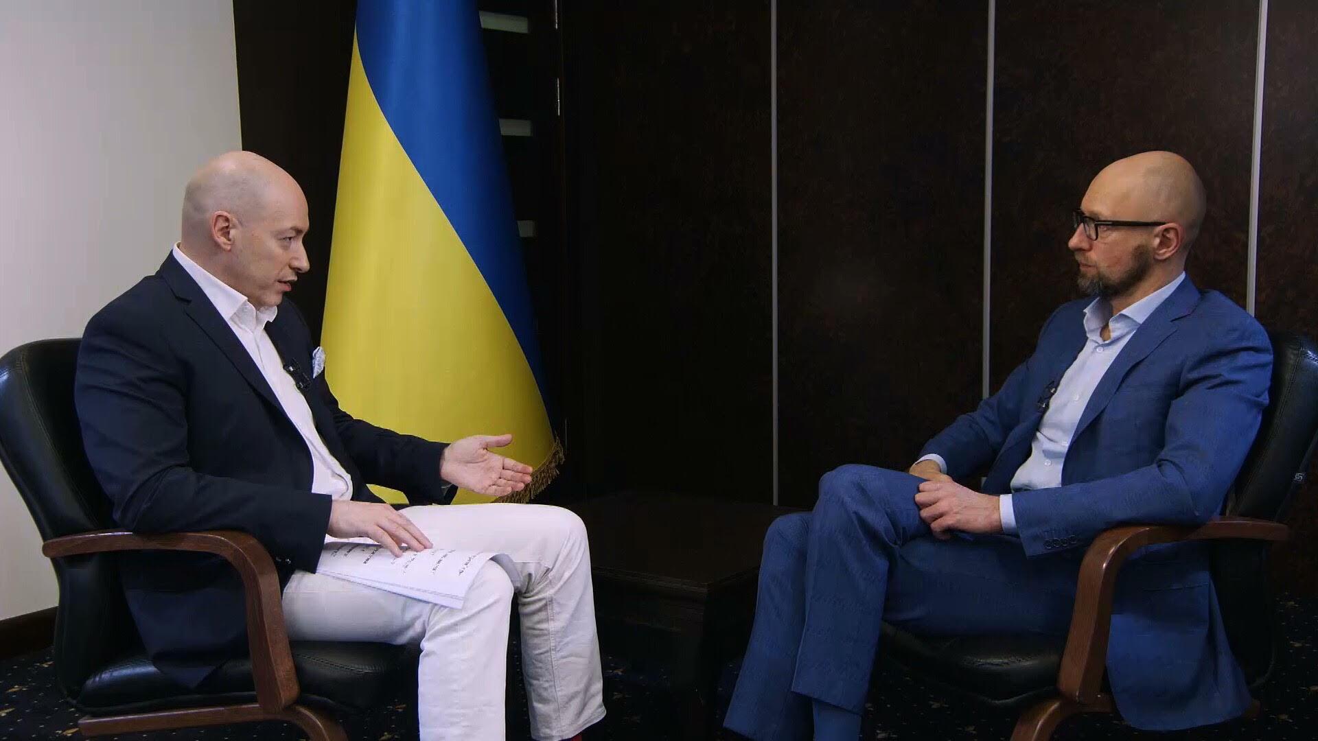 """Арсеній Яценюк: Якщо на проекті """"Стіна"""" хтось вкрав – нехай відповідає. Але кордон має бути збудований"""