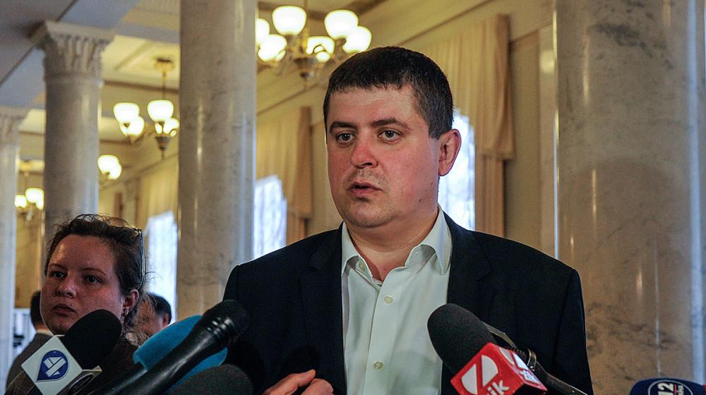 Максим Бурбак: Блокування ЦВК виборів в об'єднаних територіальних громадах стане сигналом до активних дій парламенту