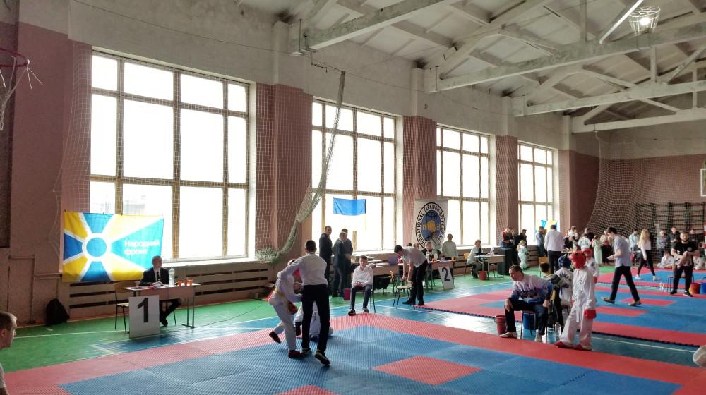 """За підтримки """"Народного фронту"""" в Кременчуці відбувся чемпіонат міста з таеквон-до"""